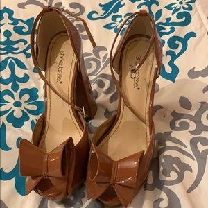 Brown shoedazzle heels